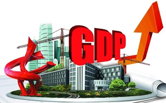 """截至7月29日,10个""""双料王""""城市中,已有除苏州外的9城公布上半年经济运行情况。""""GDP增速破万亿和人口破千万,需要考虑基数和增量两个指标。毫无疑问,杭州基数和这几年的增量表现都非常好。所以如果说有下一个'双料王'城市,那么杭州一定是排在第一位的。"""""""