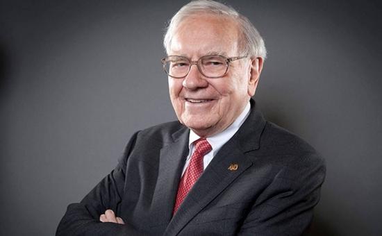 据最新消息,在谈及美国股神巴菲特时,艾克曼表示,美国股神巴菲特不仅是股神,他还是最伟大的CEO。