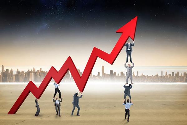 """黄金市场行情也从之前投资者眼中没用的""""石头""""变成了今年表现第二好的资产,2017年黄金市场行情表现排名第4,2018年排名第3,2019年排名第2……按照这样的速度,2020年黄金市场行情很可能成为表现最好的资产。"""