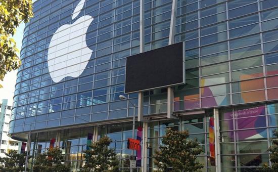 今日8月30日,美国科技巨头之一的美国苹果公司正式向媒体发出邀请函,宣布将于美国当地时间9月10日上午10时(北京时间9月11日凌晨1时)召开新品发布会。今年的活动依旧在Apple Park乔布斯大剧院举行。